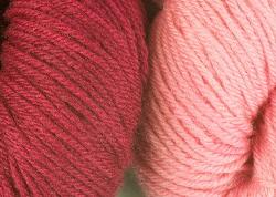 BFL wool dyed with cochineal dye extract | CochinealDye.com